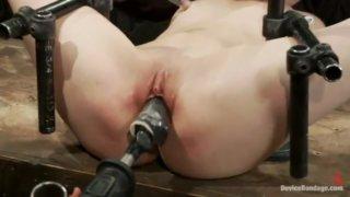 muchayut-seks-mashinoy