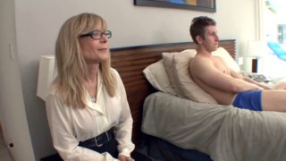 Милашка Nina Hartley