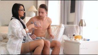 Инес частная медсестра порно см фото