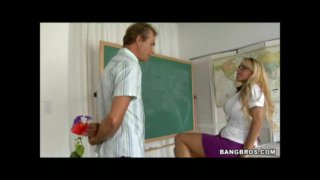 Holly Halston - MILFLessons - Milf + Flowers = Anal